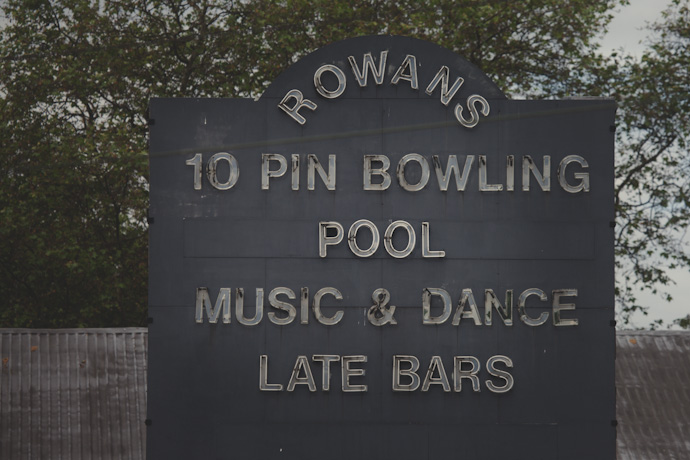 rowans' 10 pin bowling, pool, music & dance, late bars signage - (c) leonie wise
