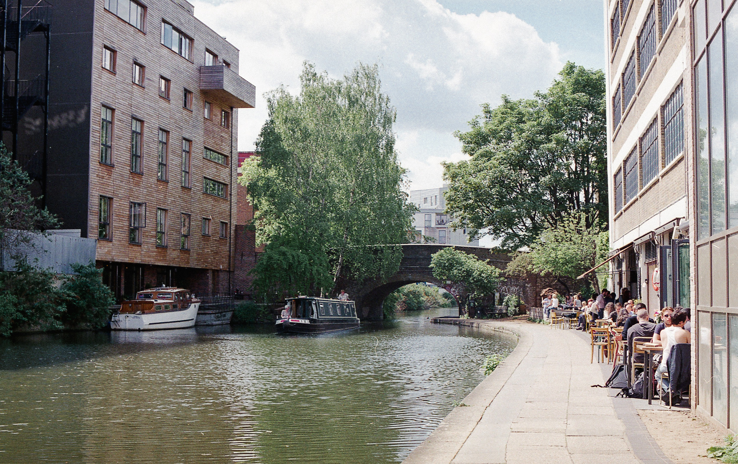 Towpath Cafe, Regent's Canal London. (c) Leonie Wise